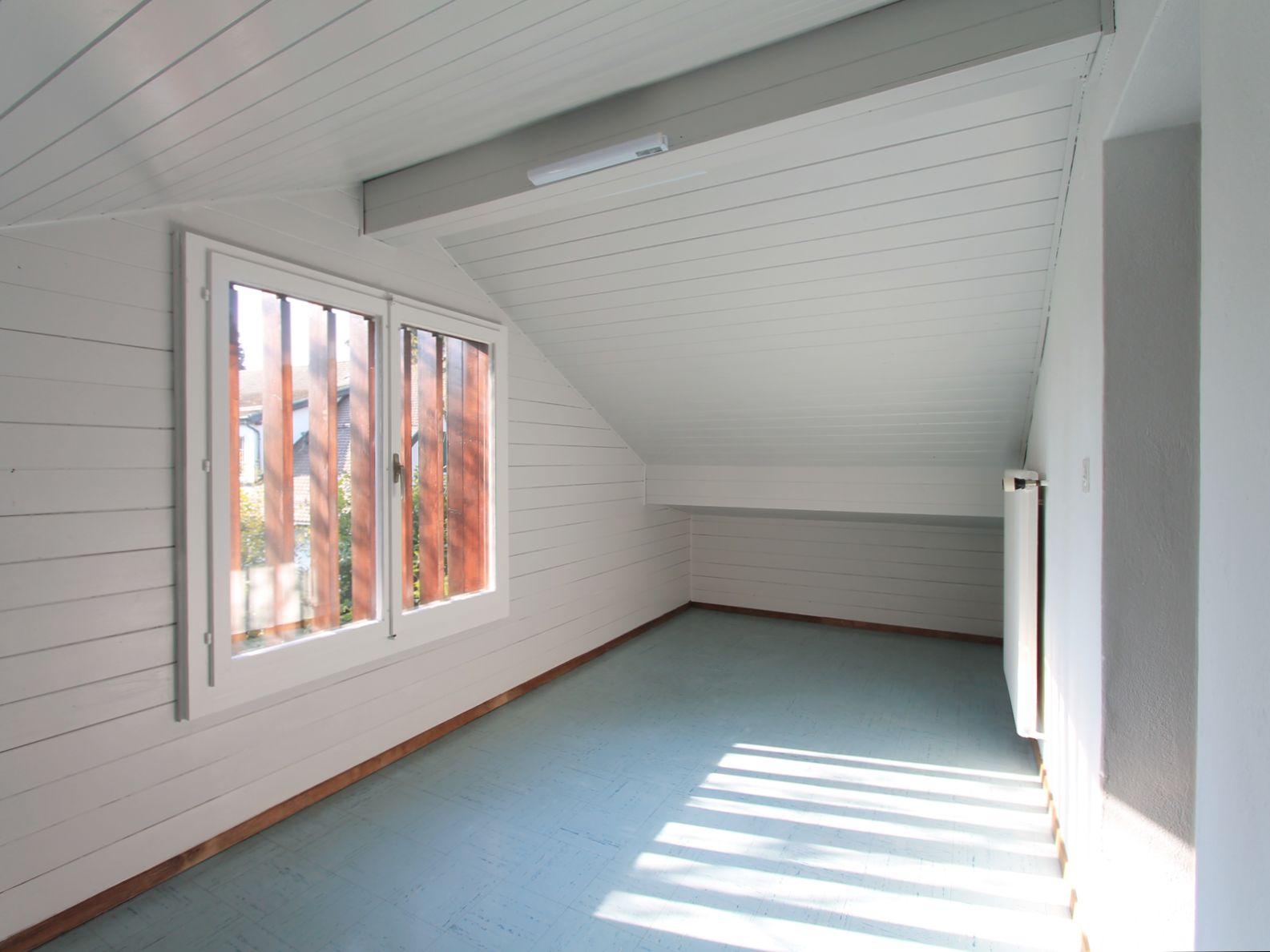 Pièce attenante à la chambre 3 avec fenêtre et cachet
