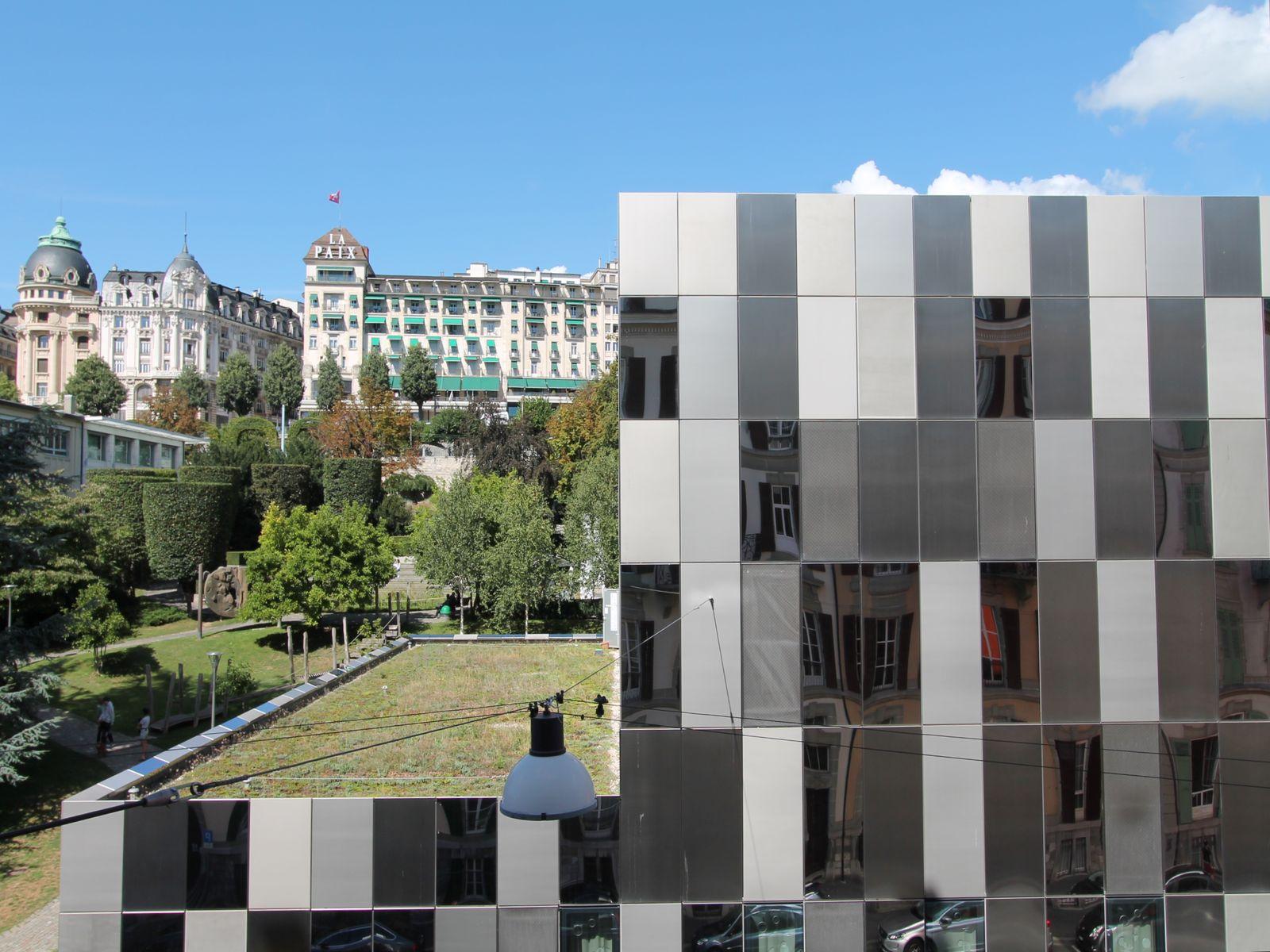 Magnifique vue sur la promenade Jean Villard-Gilles et sur l'Opera de Lausanne