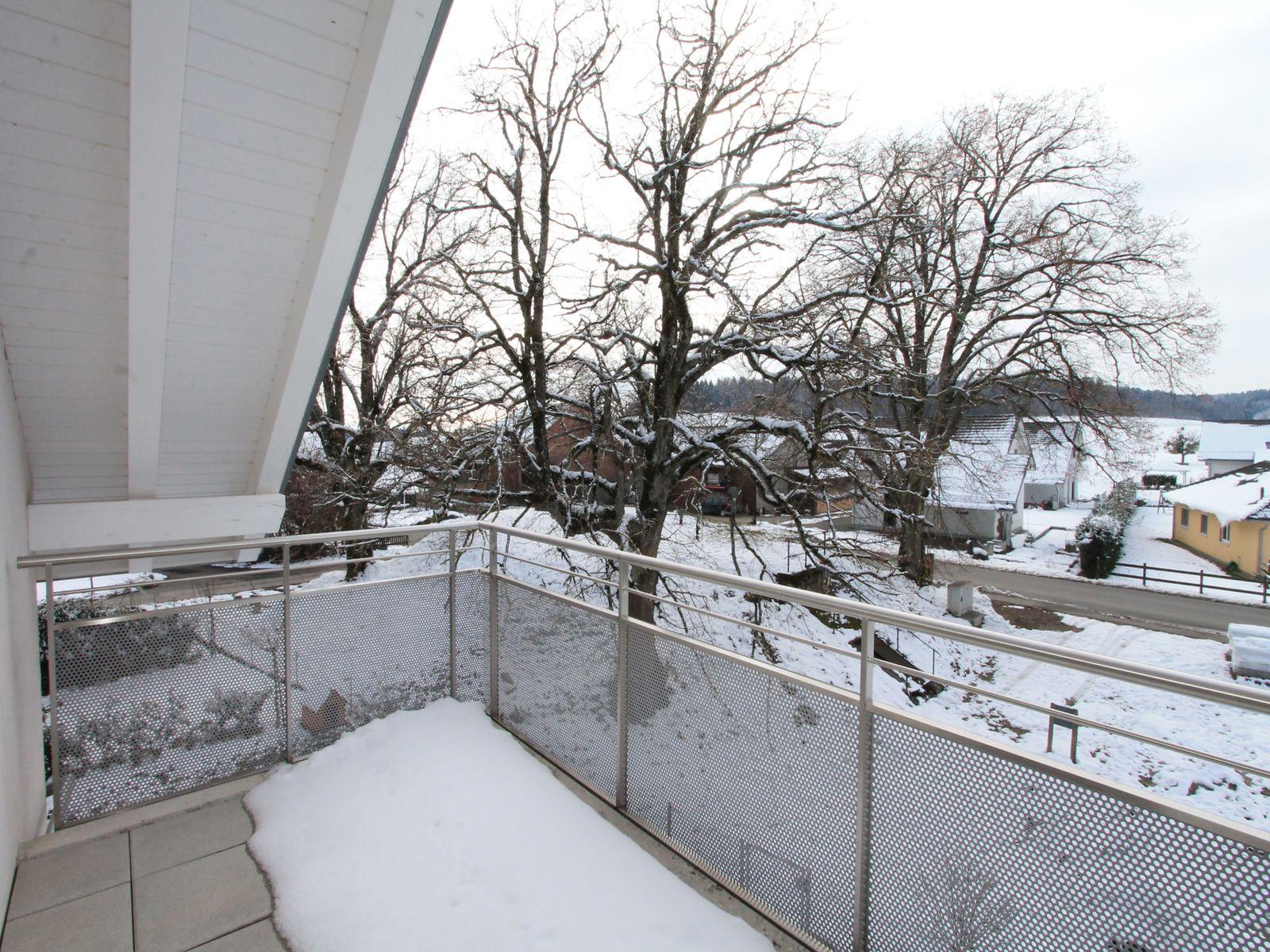 Le balcon sous les toits dispose d'une belle vue